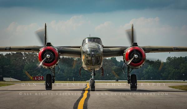 "North American B-25 ""Tondelayo"""