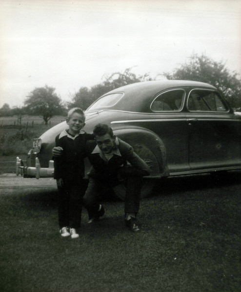 1942 Hollis and Tim.jpeg