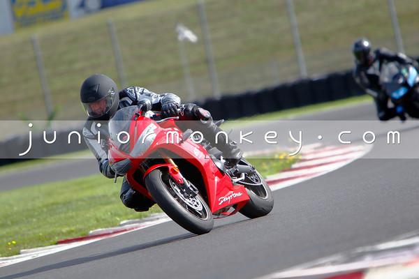 Triumph Daytona - Red