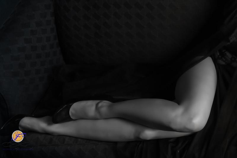 2018 Film Noir-Jessica Kisiel Couch B&W--185-3.jpg