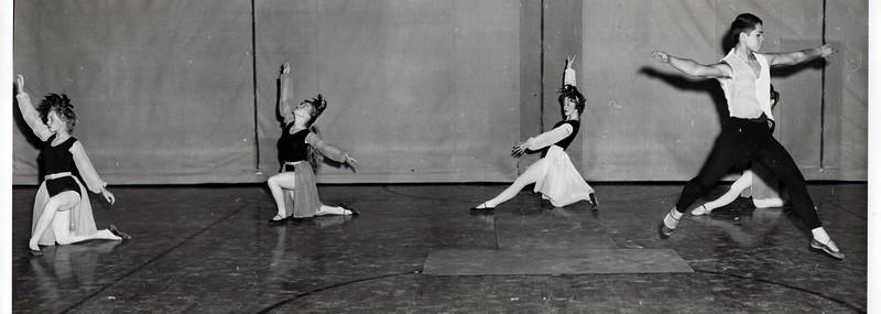 Dance_2972_a.jpg