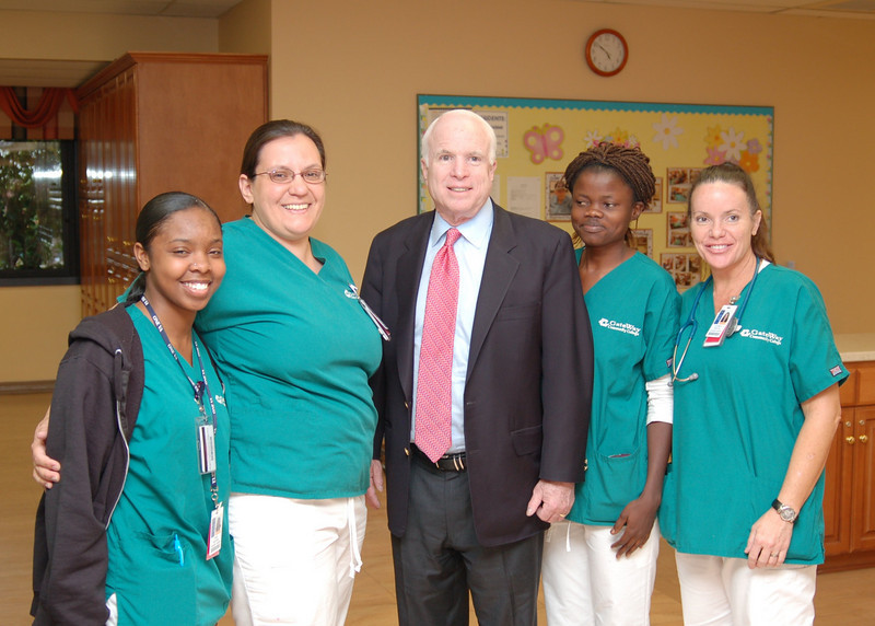 Sen McCain PVAHCS Visit 5-1-2010 5-27-27 PM.JPG