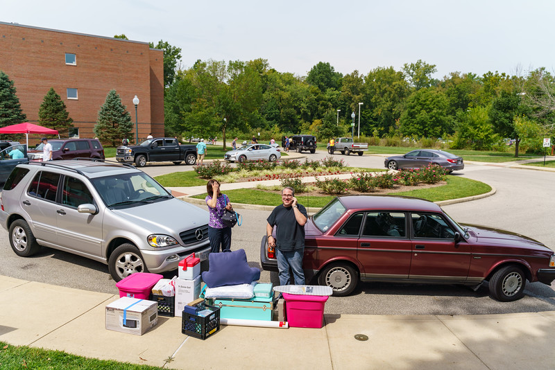 RHIT_Freshman_Move_In_Day_2019-8416.jpg