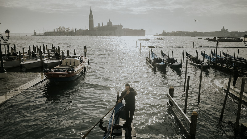 Tu-Nguyen-Destination-Wedding-Photographer-Elopement-Venice-Italy-Europe-w0a5.jpg