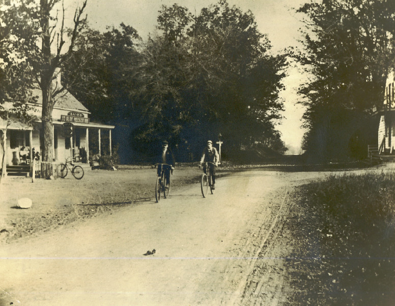 1890 Meeker Inn Union center bikes.jpg