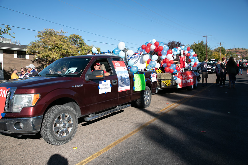 HOMECOMING PARADE 2019-1586.jpg