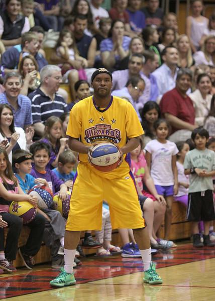Harlem Wizards Allendale (56).JPG