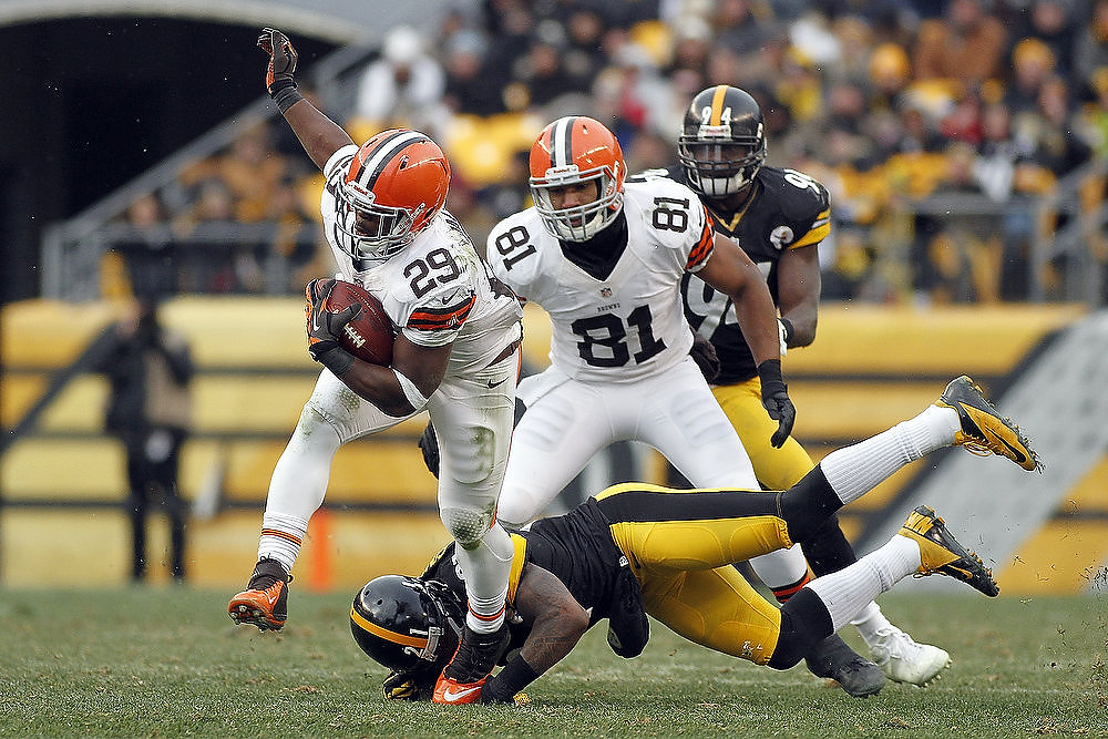 . Brandon Jackson #29 of the Cleveland Browns carries the ball against the Pittsburgh Steelers during the game on December 30, 2012 at Heinz Field in Pittsburgh, Pennsylvania.  The Steelers defeated the Browns 24-10.  (Photo by Justin K. Aller/Getty Images)