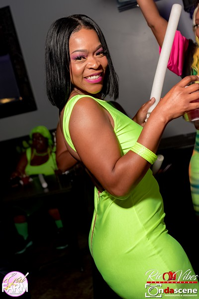 GAL FARM THURSDAYS PRESENTS IT'S GLOW NEON EDITION-42.jpg