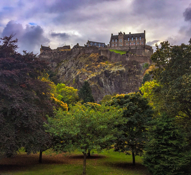 Edinburgh-Castle-1.jpg