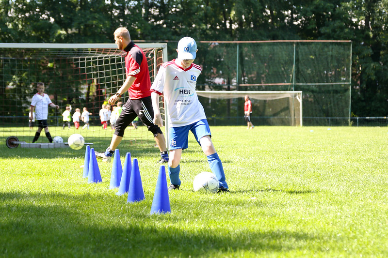 hsv_fussballschule-328_48048034757_o.jpg