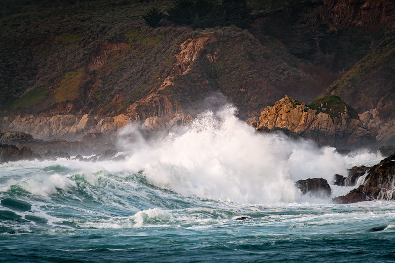 Large Waves in Soberanes Cove