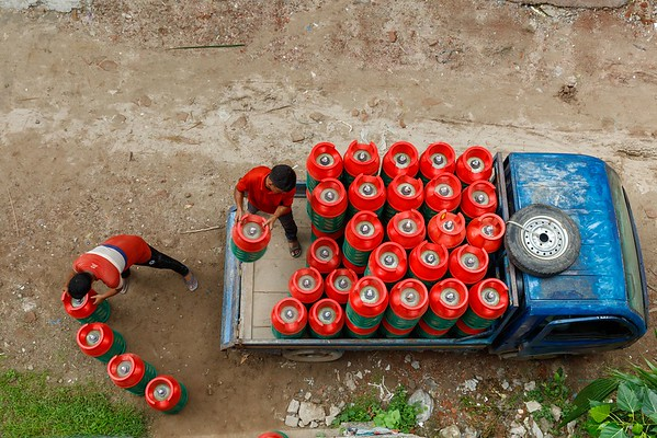 HEXAGON LPG CYLINDER USING IN BANGLADESH. Low Res JPG