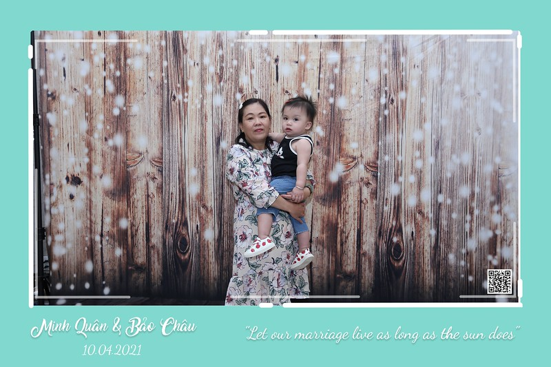 QC-wedding-instant-print-photobooth-Chup-hinh-lay-lien-in-anh-lay-ngay-Tiec-cuoi-WefieBox-Photobooth-Vietnam-cho-thue-photo-booth-045.jpg