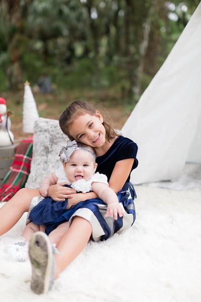 Holiday Minis- Scarth Family-97.jpg