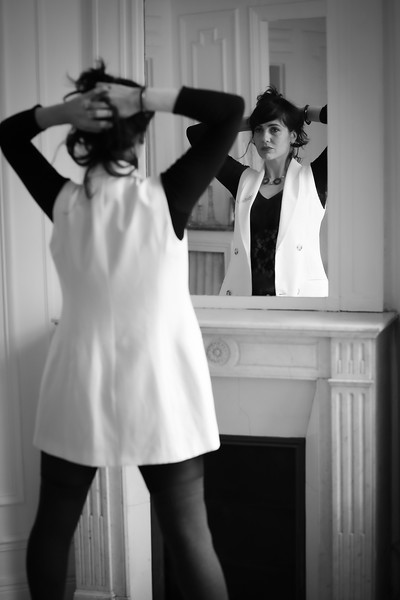 Charlotte Lasnier, Un Jour D' Octobre 2019, Dans Un Appartement Parisien
