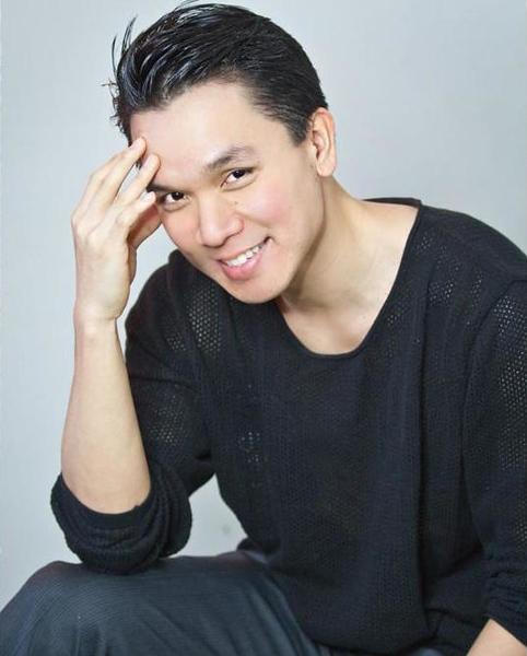 Allen Chen headshot.jpg
