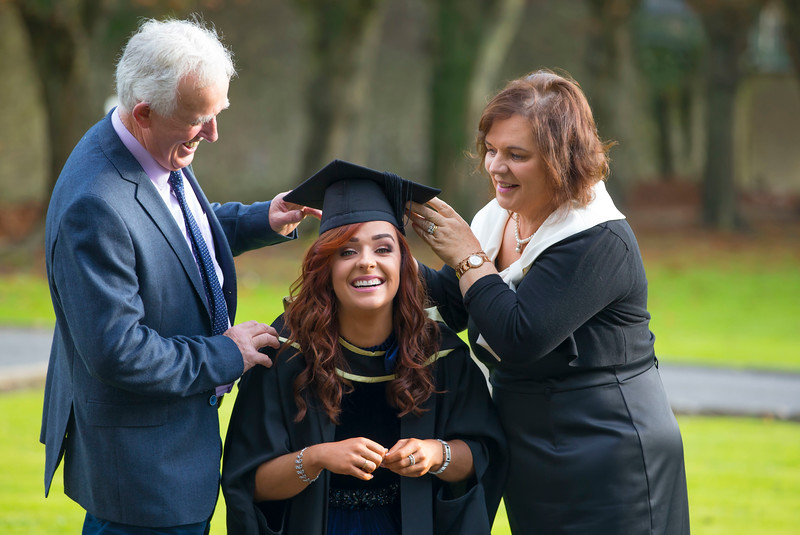 01/11/2017. Waterford Institute of Technology Conferring. Pictured is Julie Sinnott from Ballindaggan, Enniscorthy, Co. Wexford who graduated Master of Arts in Education, also pictured is her dad Vincent and Mum Maime.  Picture: Patrick Browne