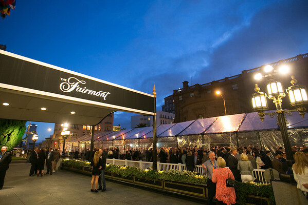 2013.09.29 Fairmont Tent Mason Street Set Up