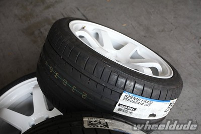 18x9.5 Rota Grid on 255/35/18 falken azenis fk453