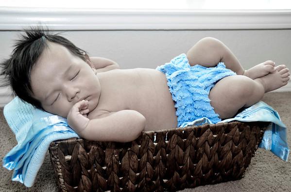 Newborn- Hernandez Family