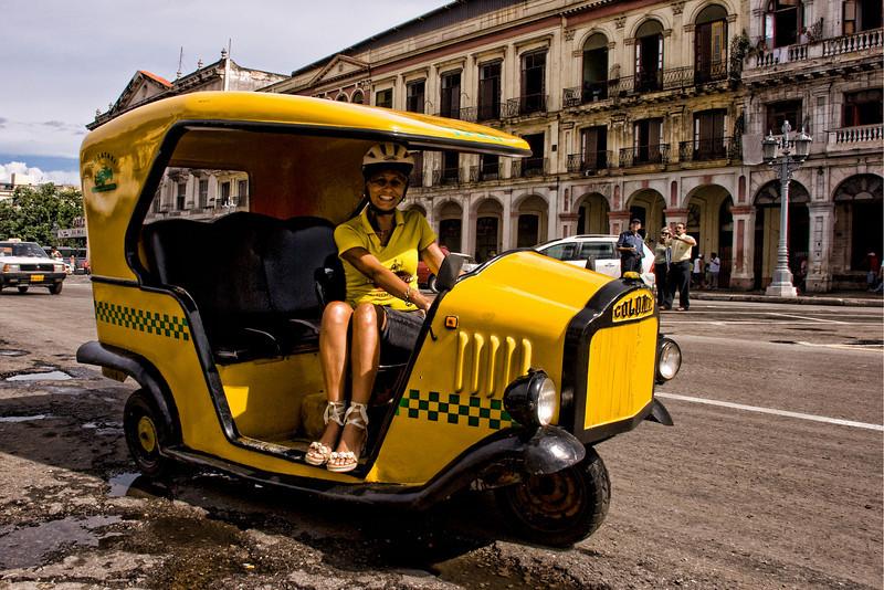 Cuba Havana CoCo taxi 9247.jpg