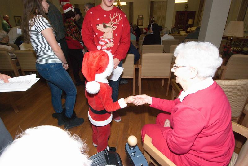 2016-12-14-Community-Christmas-Caroling_018.jpg