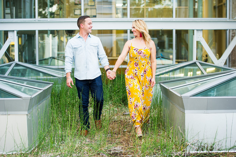 Engagement-Photo-Outfit-Ideas-043.jpg