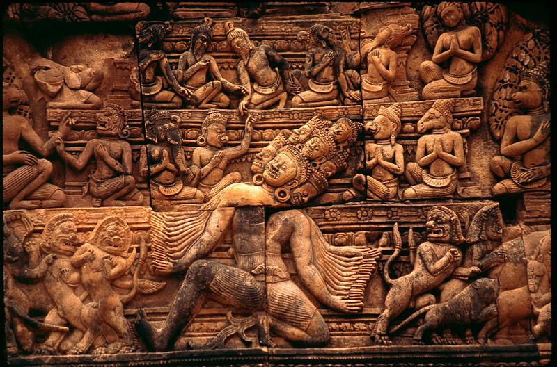 incredible carvings of Banteay Srei