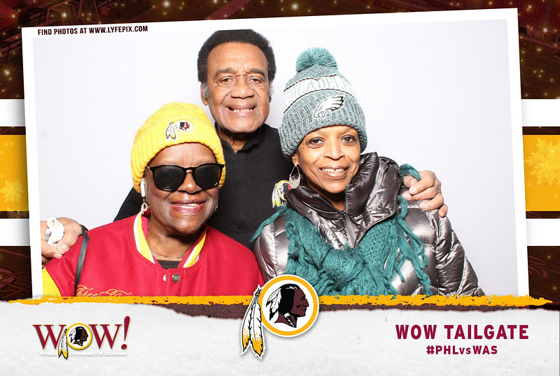 washington-redskins-philadelphia-eagles-wow-fedex-photo-booth-20181230-025116.jpg