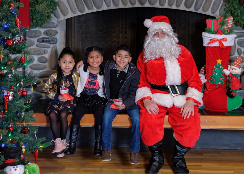 CB Santa 2019-7987.jpg