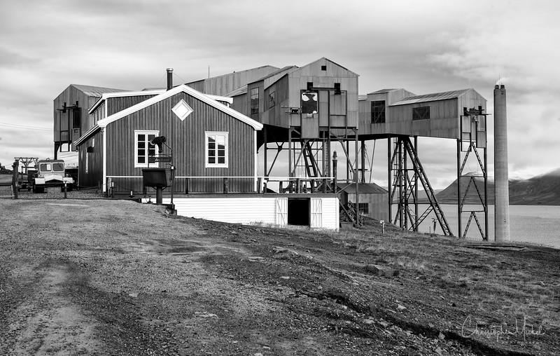8-28-16169539 Lonegyearbyen Svalbard.jpg