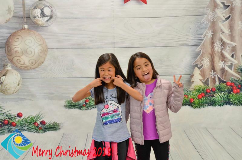 Christmas Photobooth 2018-031_01.jpg
