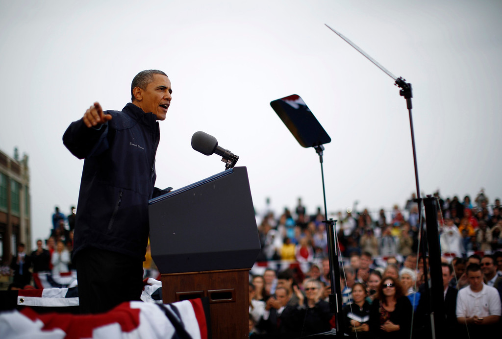 . U.S. President Barack Obama delivers remarks on the rebuilding of the Jersey Shore following Hurricane Sandy, from Asbury Park in New Jersey, May 28, 2013.   REUTERS/Jason Reed