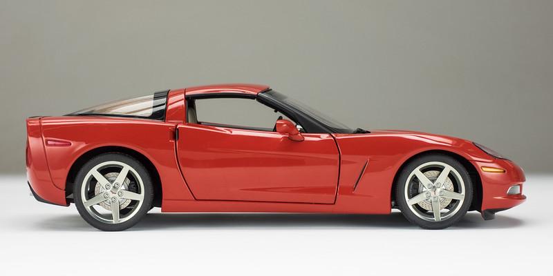AutoArt-C6-Corvette-8a.jpg