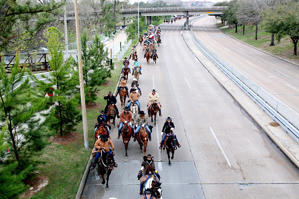 20150228 Trail Riders on Memorial Parkway