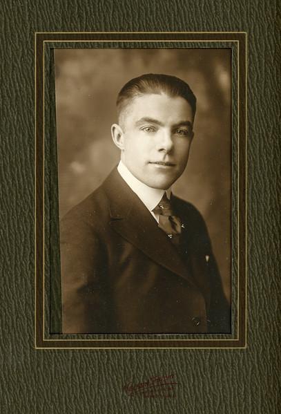 1900-1950 Chris's Family-6.jpg