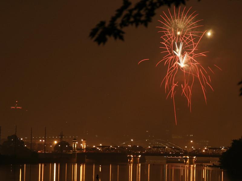 fireworks_08_07042007.jpg