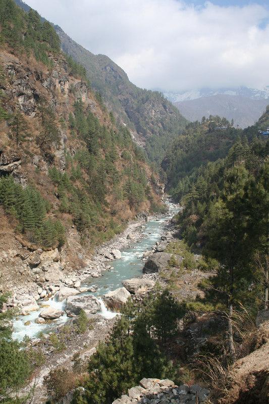 River view north of Phakding.JPG