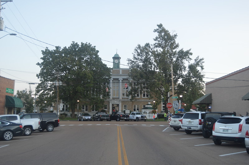039 Fayette County Courthouse.JPG