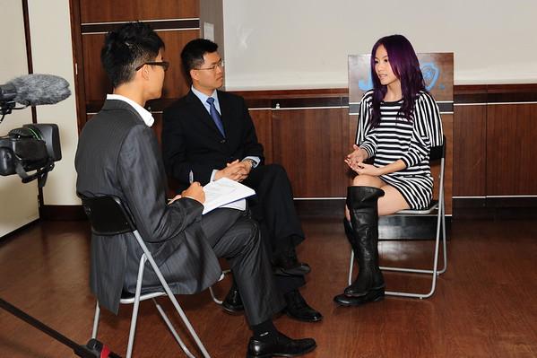 20100503 - 訪問金口獎大使鄧麗欣