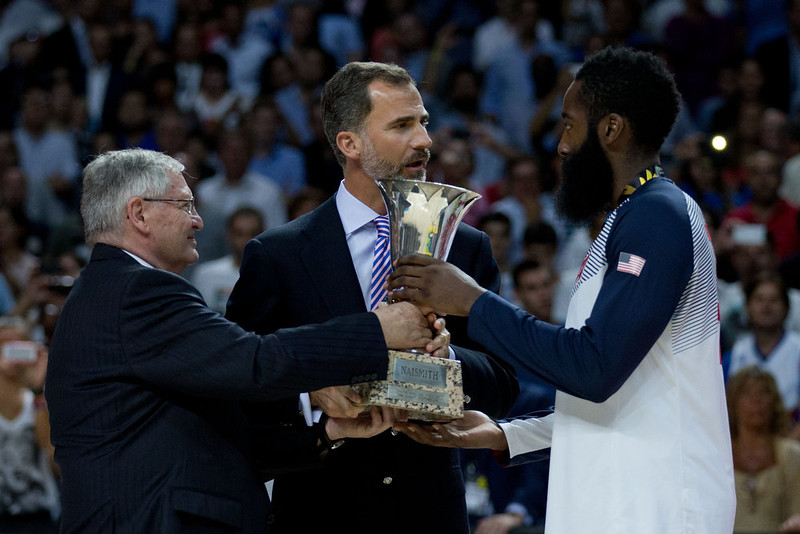 . Fiba president Ivan Mainini (L) and Prince Felipe VI of Spain (2nd) sgive the trophy to James Harden (R) of the USA during the award ceremony after the 2014 FIBA World Basketball Championship final match between USA and Serbia at Palacio de los Deportes on September 14, 2014 in Madrid, Spain. (Photo by Gonzalo Arroyo Moreno/Getty Images)
