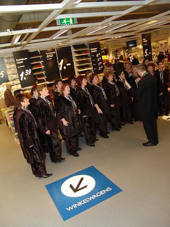 2004-1219 SCBG @IKEA
