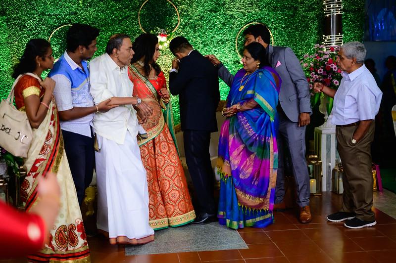 2019-12-Ganesh+Supriya-4861.jpg