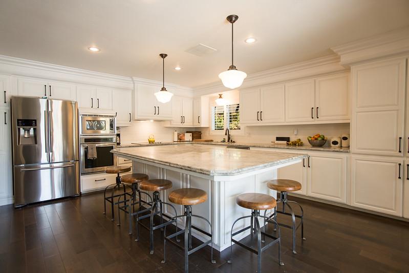 950 kitchen-3 copy.jpg