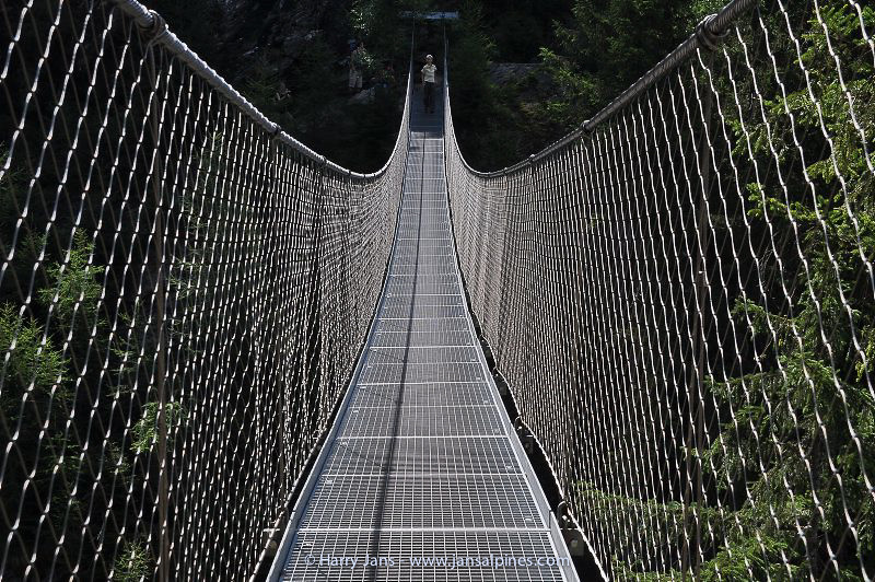 chain bridge over Riesach Wasserfall