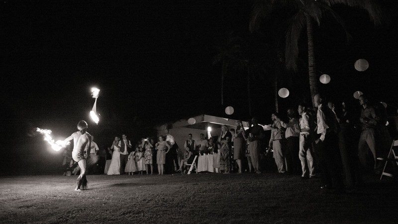 Fire Dancer Maui Hawaii Wedding Photography.jpg