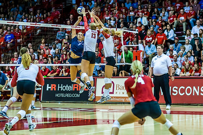 UW Sports - Volleyball [d] September 02, 2016