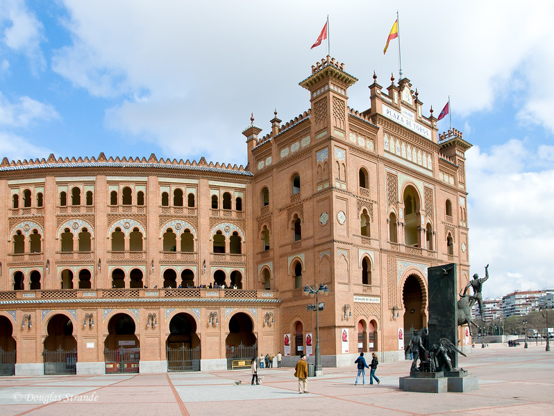 Sat 3/05 in Madrid: Plaza de Toros