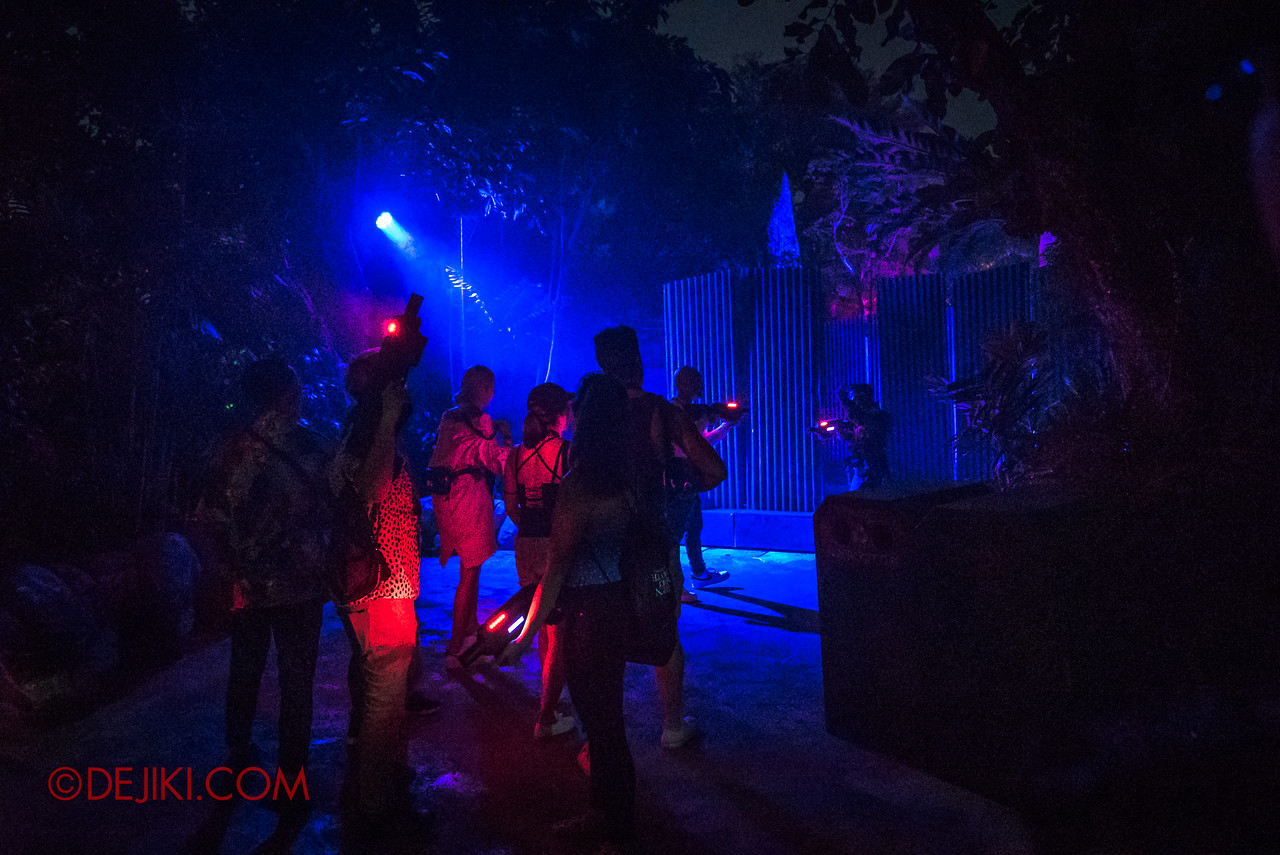 USS Halloween Horror Nights 8 Zombie Laser Tag - Awaiting for Drill Sergeant